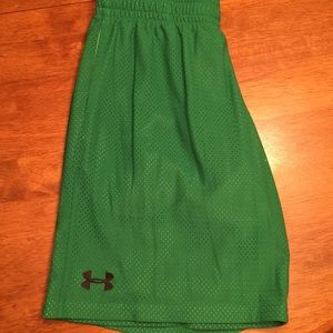 Youth XL UA green mesh shorts!